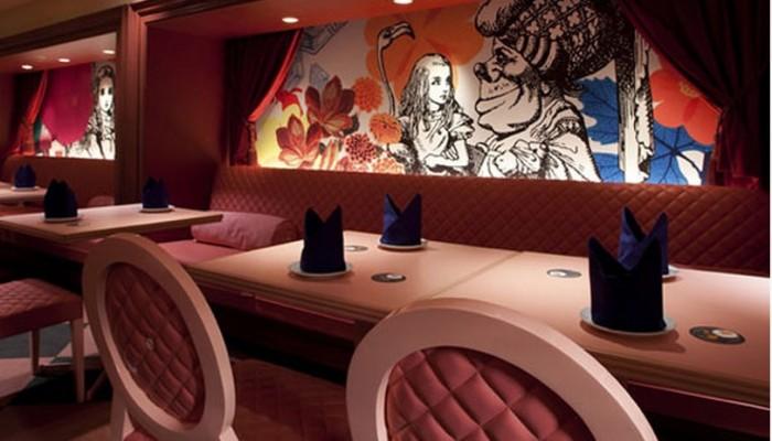 Restaurantes inspirados em Alice no País das Maravilhas
