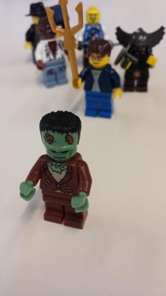 Frankenstein-LEGO-337x600