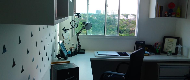 Home office preto e branco