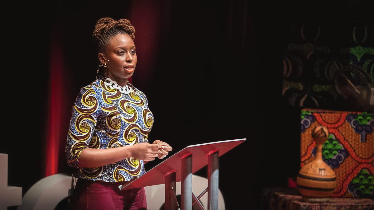 Os convites de Chimamanda Ngozi Adichie