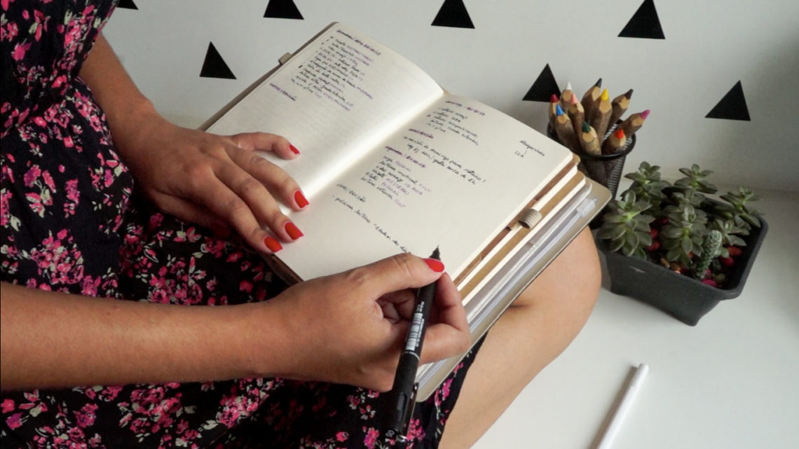 como organizo o bullet journal com a.craft